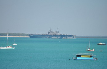 1.1330732885.usa-aircraft-carrier-coming-into-darwin-habour